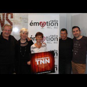 Toutre l'équipe de radio émotion réunit pour soutenir le TNN